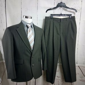 Haggar Clothing Co. 40S Olive Striped 2pc Suit